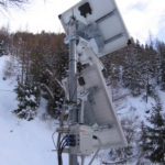 New monitoring and early warning system for avalanches and debris flows